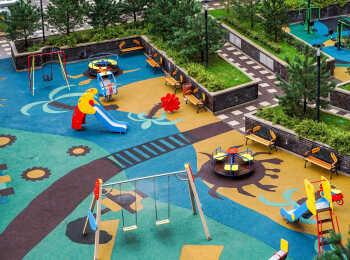 Детская площадка между 15 и 17 корпусами